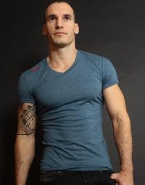 T-Shirt  HEGIRE col V